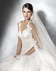 Rat zur Hochzeitskleid Suche