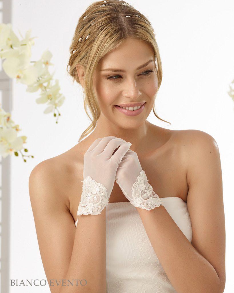 dcb2078fd5a Bianco Evento Brautaccessoires Handschuhe - Brautmode Diamore