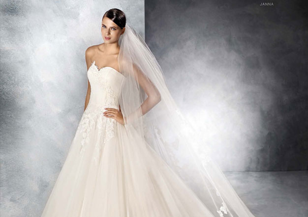Hochzeitskleid White One